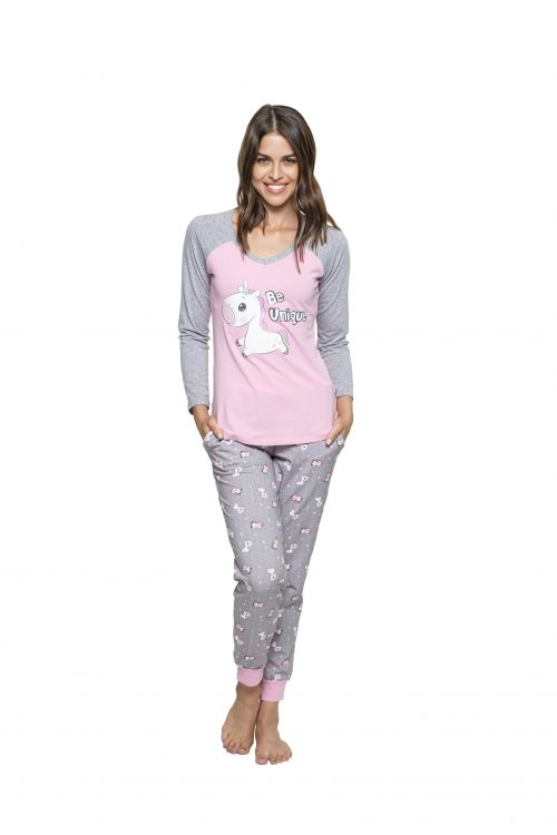 Dámske pyžamo s motívom jednorožcov značky Poppy Lingerie.