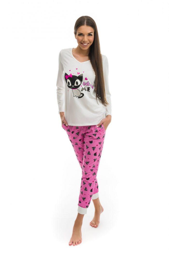 Dámske pyžamo značky Poppy s potlačou mačiek.