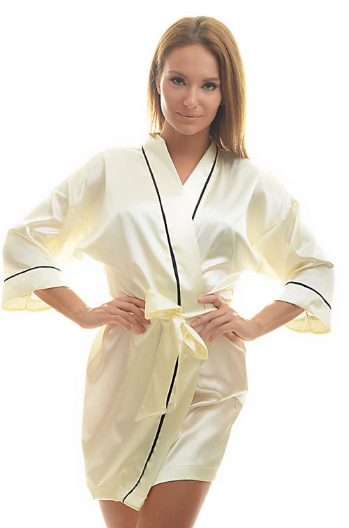 Dámske krémové saténové kimono značky Poppy.