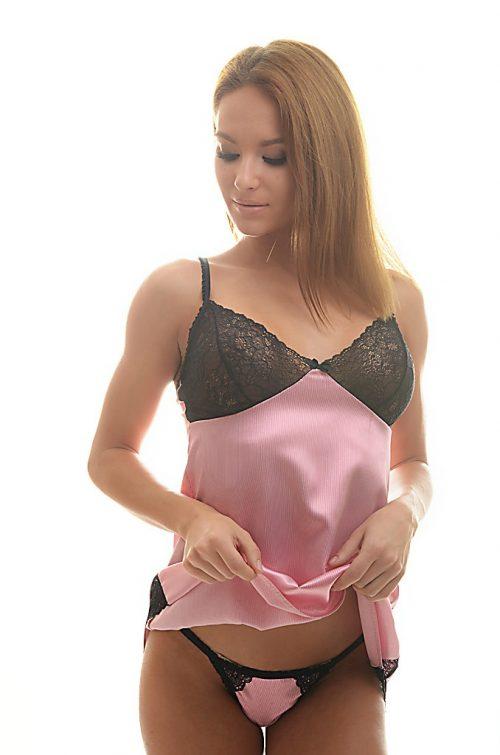 Dámsky set Lilla, košielka s nohavičkami značky Poppy Lingerie.